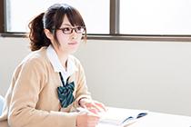 勉強をする人の画像